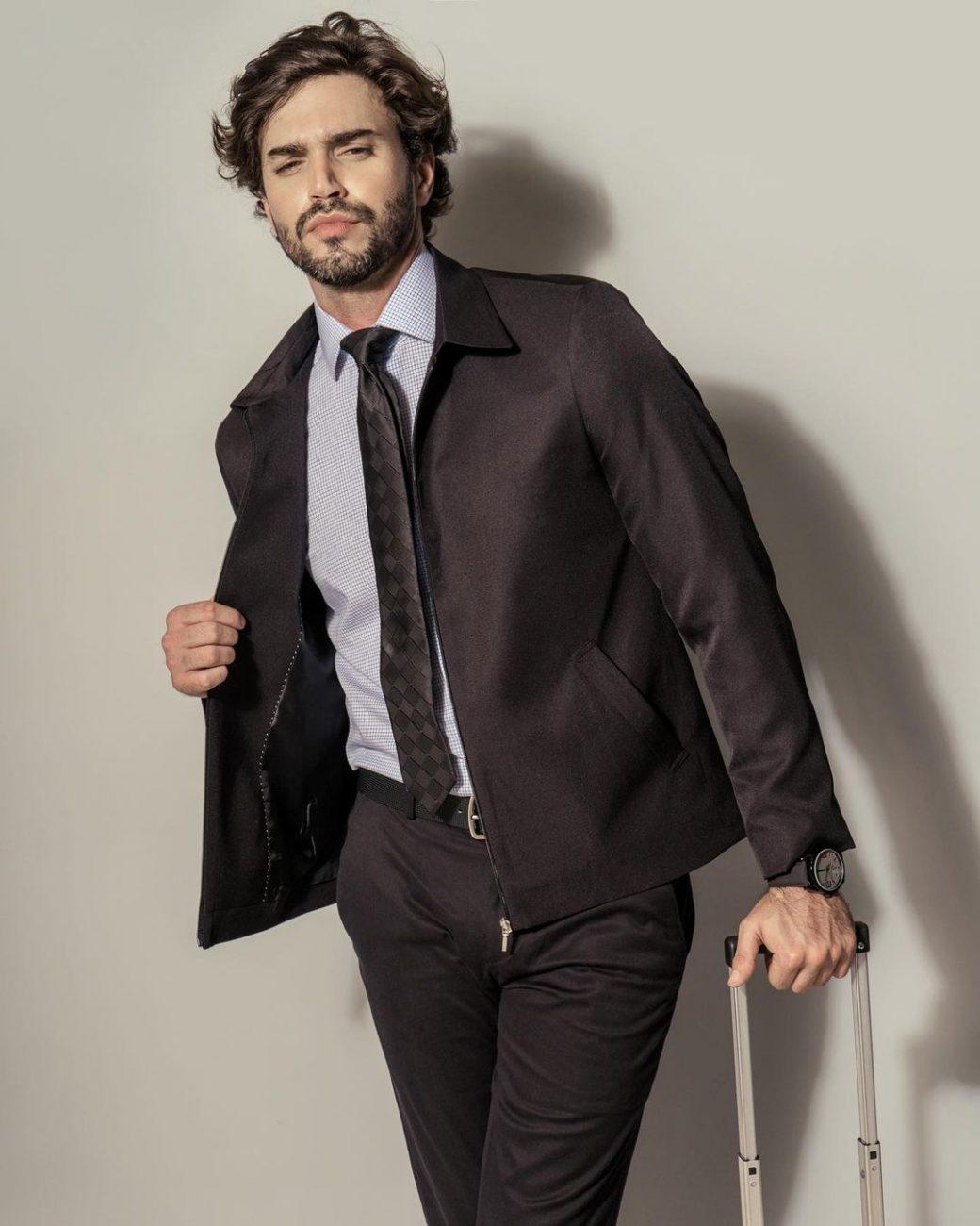 O ator e modelo Paulo Passini também confirmou sua presença. Foto: Divulgação/Redes Sociais - .