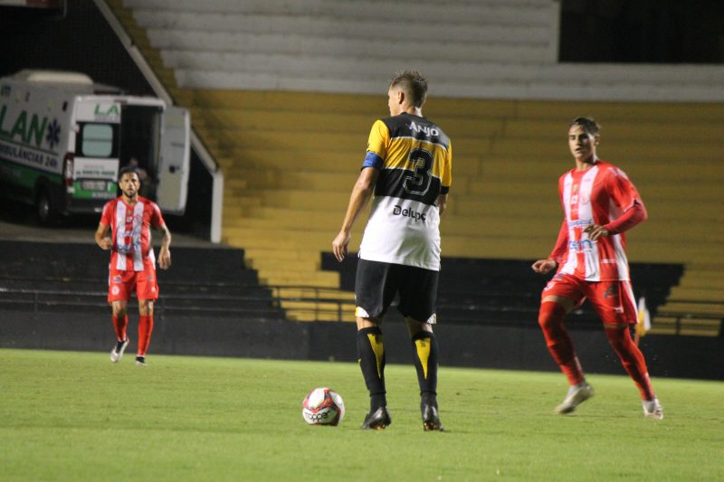 Alemão, zagueiro do Criciúma, capitão do Tigre na maior parte da atual temporada. – Foto: Celso da Luz/Criciúma EC