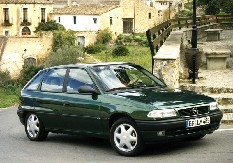 Chevrolet Astra GLS 1995 - R$ 7 mil - Foto: Divulgação/Chevrolet /Garagem 360/ND