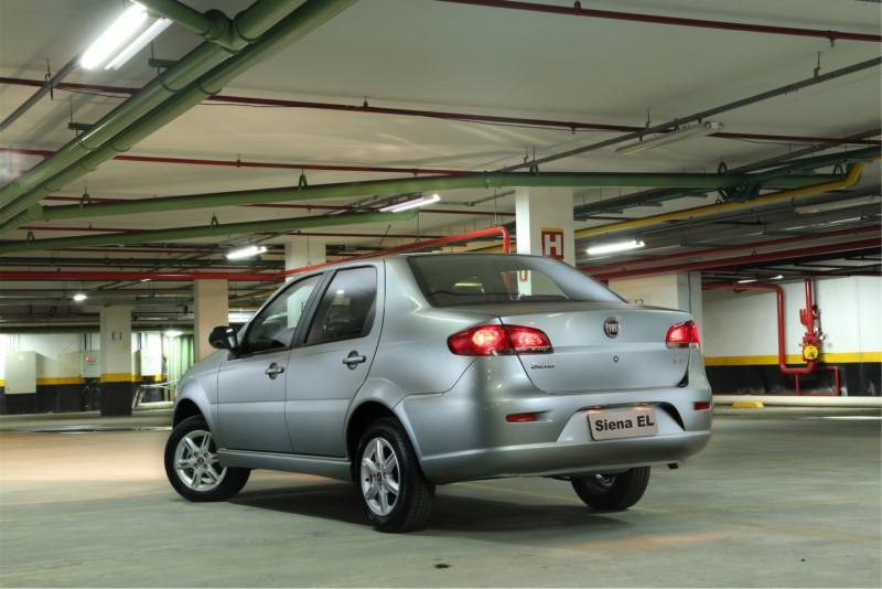 Fiat Siena EL 1.0 2015 - R$ 26.900 - Foto: Divulgação/Fiat /Garagem 360/ND