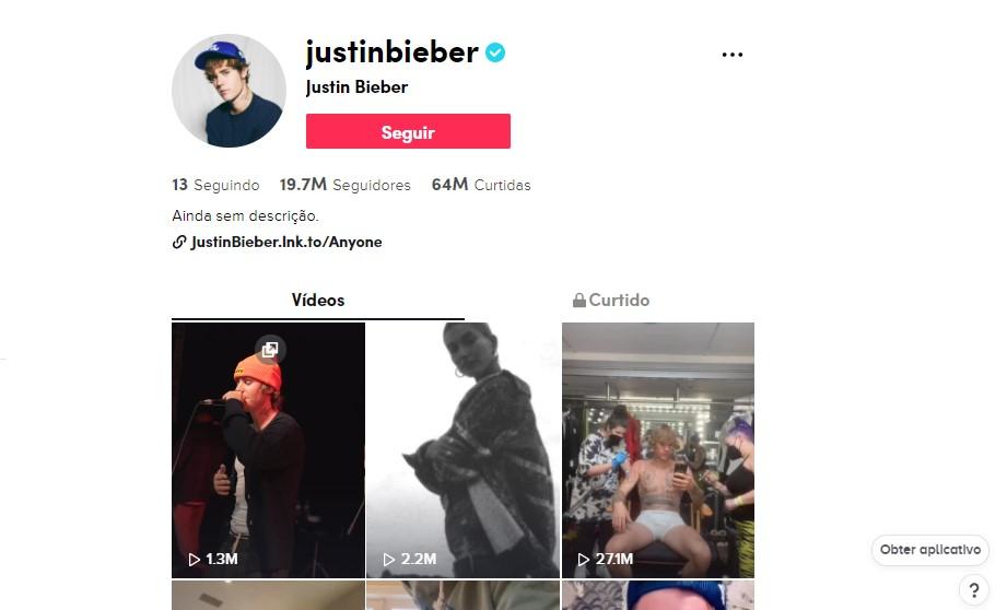 Justin Bieber - @justinbieber O cantor usa seu perfil na rede social para divulgar suas músicas, mostrar sua marca de roupas e compartilhar com os seguidores um pouco da sua vida pessoal e a relação com sua esposa e seus amigos - Foto: Divulgação/33Giga/ND