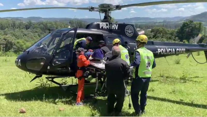 Vítima foi transportada pela aeronave do Saer/Sara até o HRO de Chapecó – Foto: Saer/Sara/Divulgação