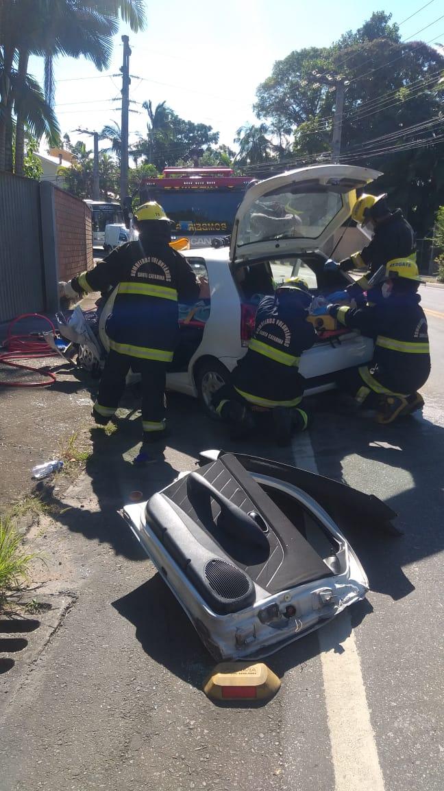 As duas estavam num carro Palio que bateu em um caminhão - CBVI/Divulgação