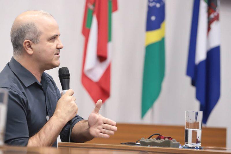 Adelir Stolf foi ouvido em nova reunião da CPI do rio Mathias – Foto: Mauro Schliek/CVJ