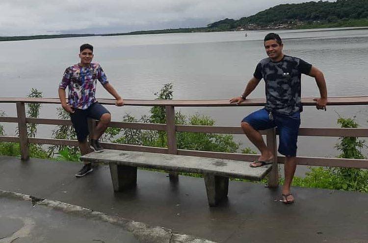 Adrian e o filho, que também deve vir morar em Joinville – Foto: Arquivo pessoal/ND
