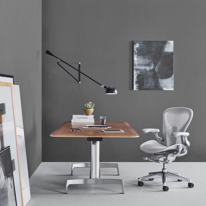 Para trabalhar em casa, você precisa organizar um escritório ergonômico – Foto: Rebecca Greier Horton/Divulgação