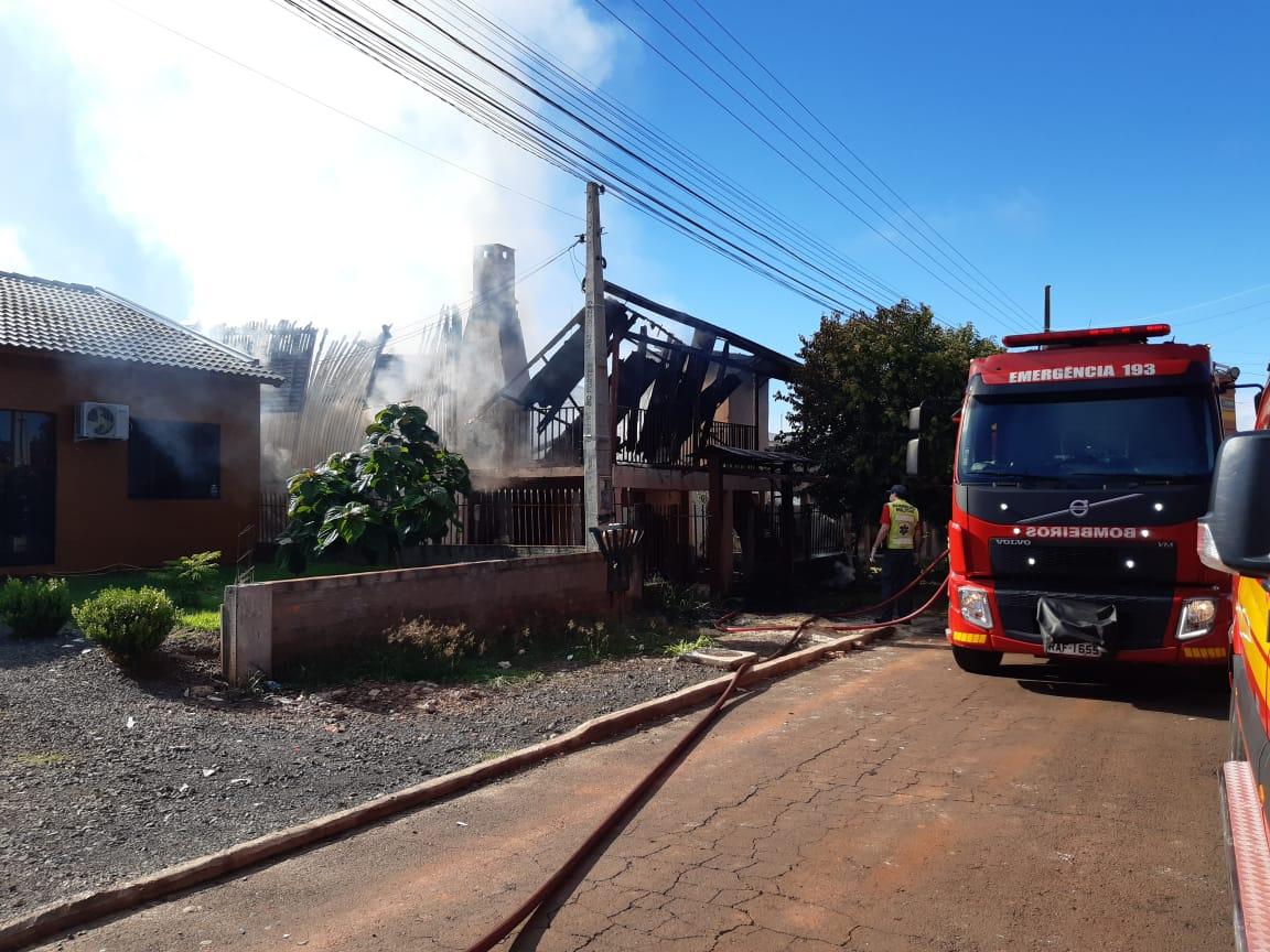 Segundo os bombeiros, não houve vítimas - Alexandre Madoglio/NDTV