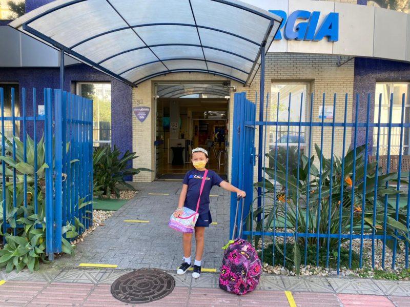 Alice Laffin Castoldi, de 8 anos, estava ansiosa para o retorno das aulas presenciais – Foto: Divulgação/Colégio Energia