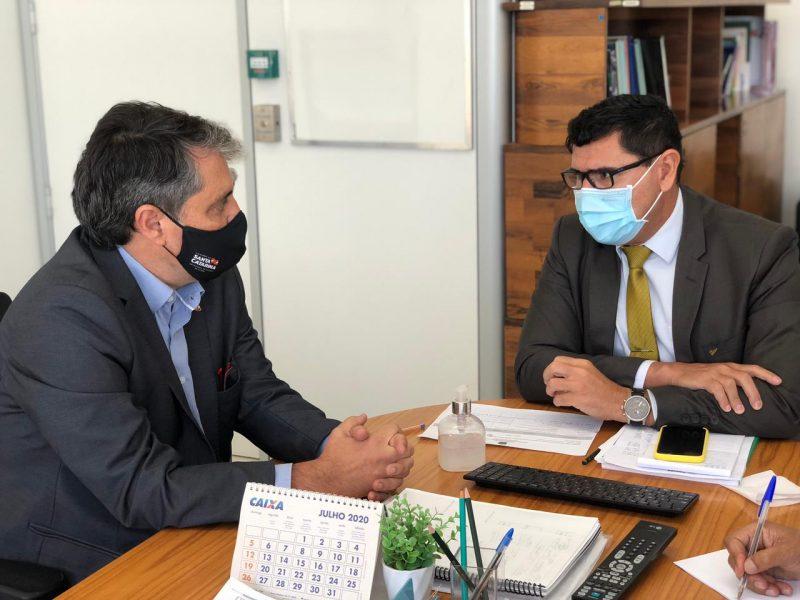 André Motta Ribeiro e Franco Duarte, do Ministério da Saúde; o secretário está participando de reuniões em Brasília sobre a vacinação