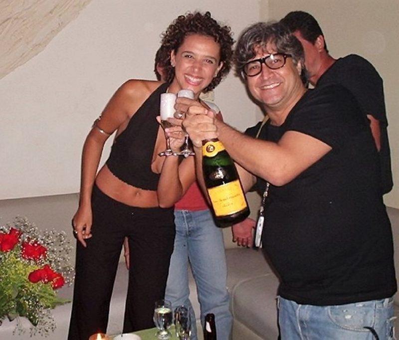 Andréa comemorando aniversário no Baronesa, no Rio de Janeiro, com festa oferecida por Sérgio Mattos (à dir.), diretor da Mega Model – Foto: Divulgação/ND
