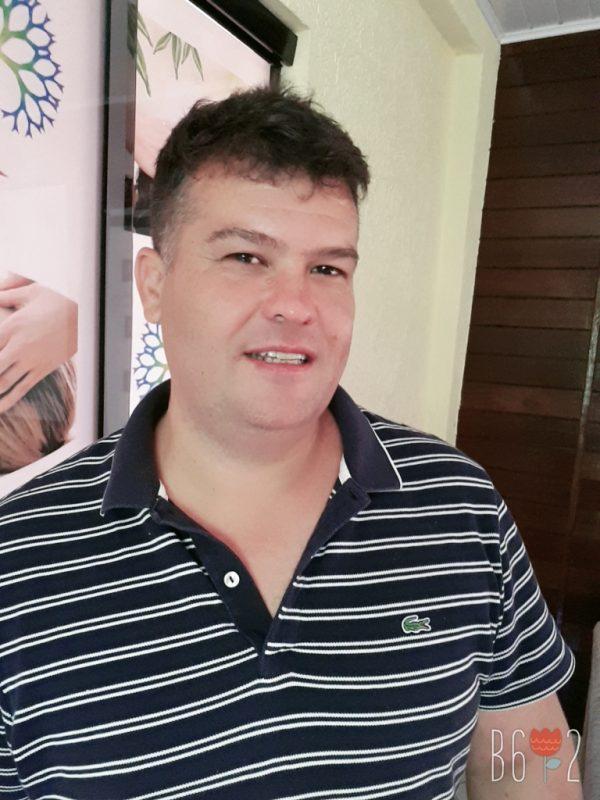 Altair Gonçalves Pereira, de 41 anos, teve o resultado para Covid-19 na última segunda-feira (22), após 15 dias de sintomas. – Foto: Arquivo Pessoal/ND