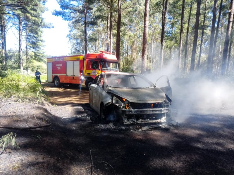 Carro ficou destruído – Foto: Corpo de Bombeiros Militar/ND