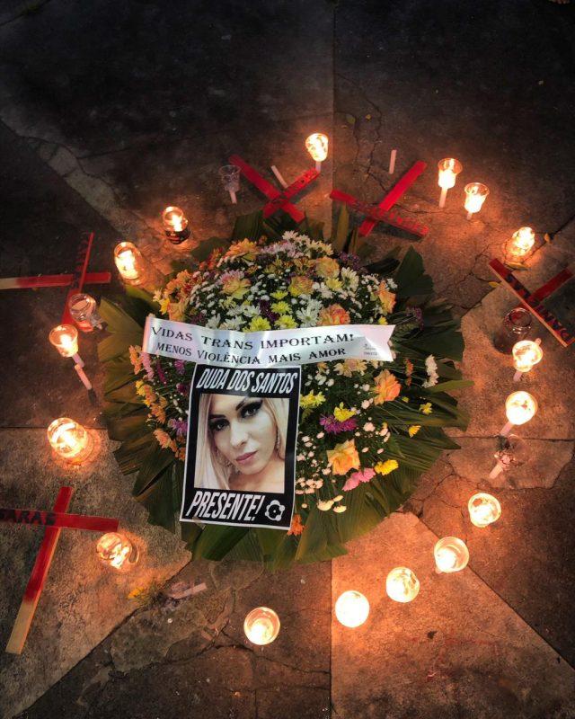 Manifestantes pediram justiça por jovem transexual morta com cinco tiros na última semana em Itajaí. – Foto: Jacke Pires