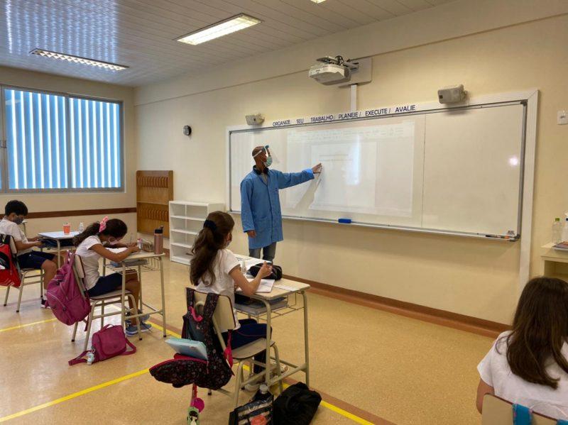 Escolas particulares retomaram aulas presenciais nesta segunda-feira (8) – Foto: Maria Fernanda Salinet/ND