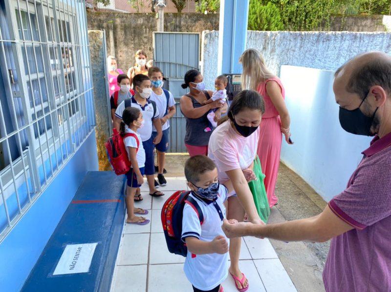 Professores querem aulas remotas até que todos sejam vacinados – Foto: Moisés Stuker / NDTV Blumenau