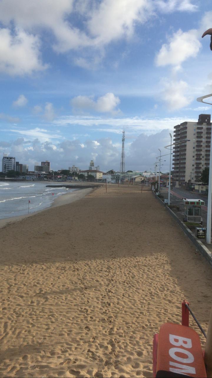 Praia vazia em Barra Velha neste sábado (27) - Corpo de Bombeiros/Divulgação