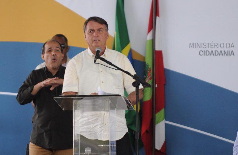 Bolsonaro faz discurso em evento na PRF – Foto: Léo Munhoz/ND