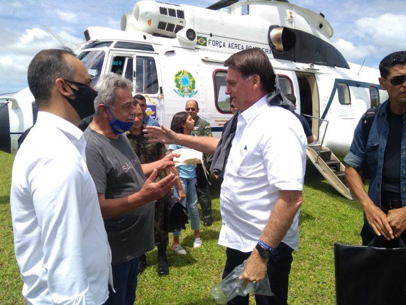Bolsonaro foi recepcionado pelo prefeito de São Francisco do Sul, Godofredo Gomes Moreira Filho – Foto: Divulgação/ND