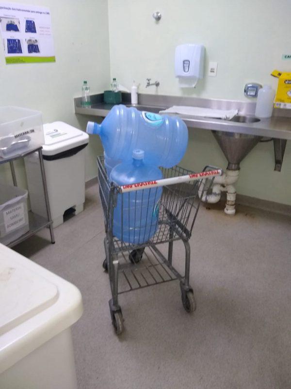 Funcionários denunciam falta de água mineral e lençol descartável no Hospital Celso Ramos em Florianópolis – Foto: Redes Sociais/Divulgação/ND