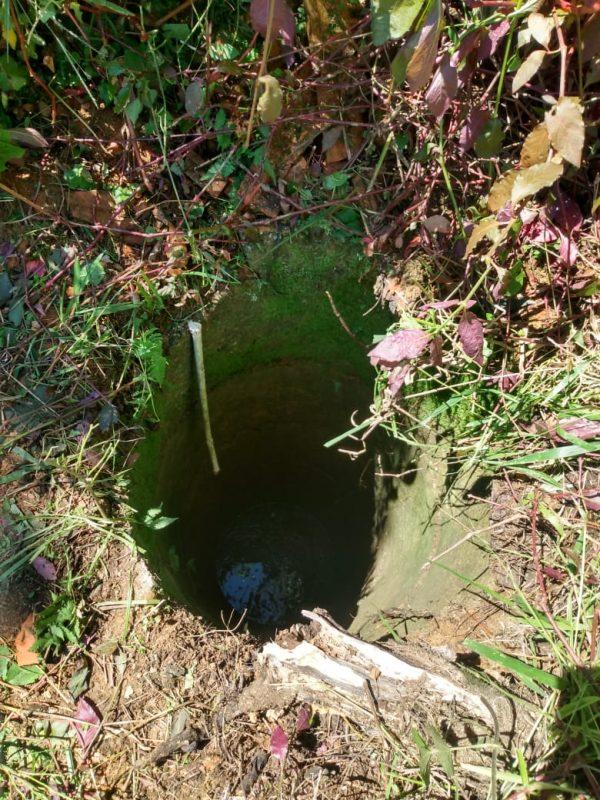 Poço estava alagado em cerca de 50 centímetros – Foto: Bombeiros Militares/Divulgação