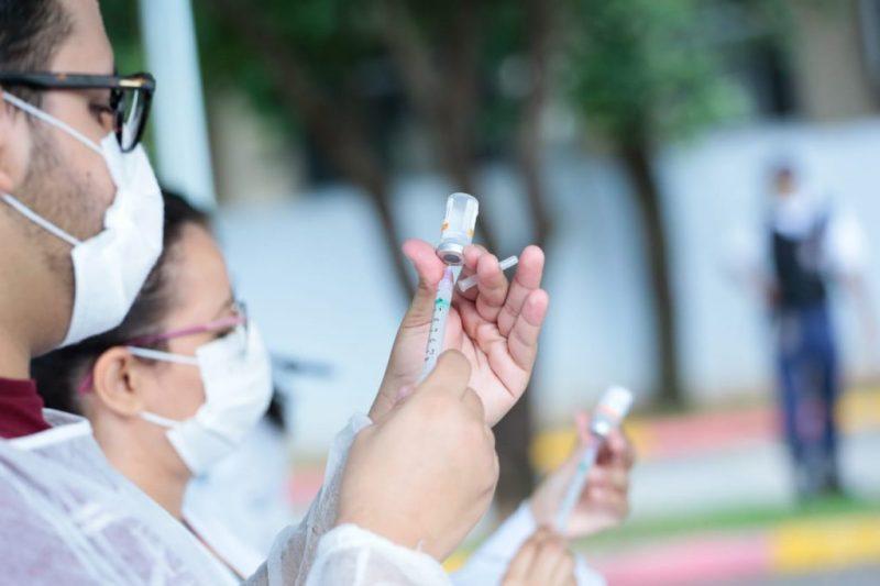 Vacinação em São José ocorre pelo sistema drive-thru – Foto: Vinícius Schmidt/Metrópoles/Divulgação/ND