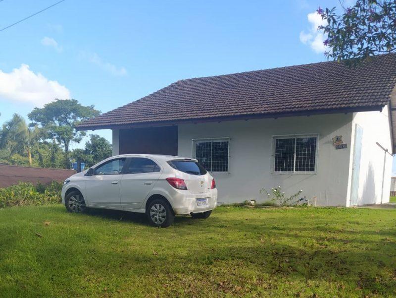 Veículo utilizado pelos assaltantes foi encontrado sete horas após a ação na zona Norte de Joinville – Foto: Polícia Militar/Divulgação