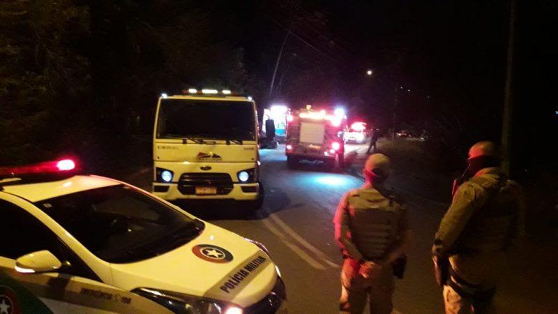 Homem foge da polícia e se envolve em acidente em Blumenau – Foto: Wellington Civiero/Mesorregional