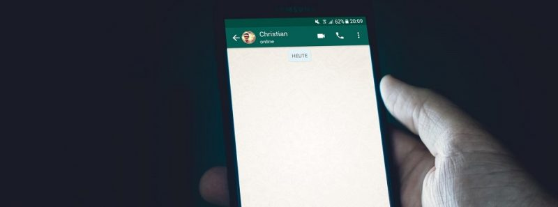 Como falar comigo mesmo no WhatsApp? - Christian Wiediger on Unsplash