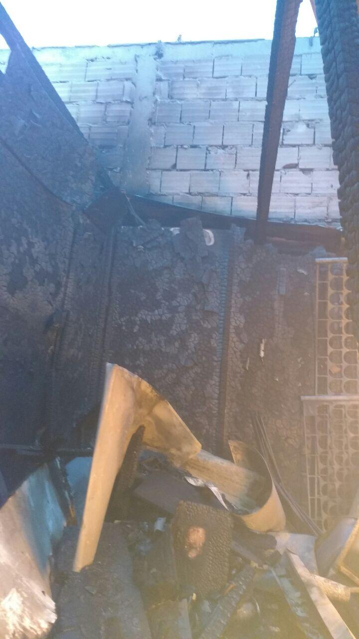 O incêndio ocorreu por volta das 05h30 desta quinta-feira (11). - Corpo de Bombeiros/Divulgação/ND