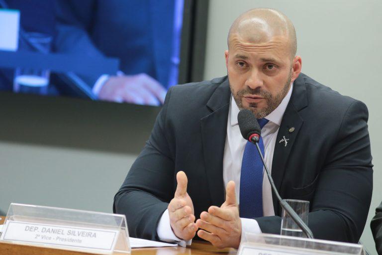 Daniel Silveira foi preso devido à publicação de vídeo em ataque ao STF