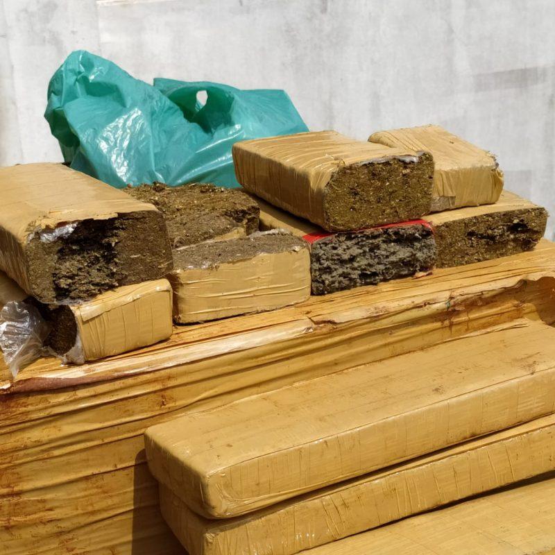 Polícia acredita que droga era cortada no local e encaminhada para venda nos bairros da cidade – Foto: Ricardo Moreira/NDTV