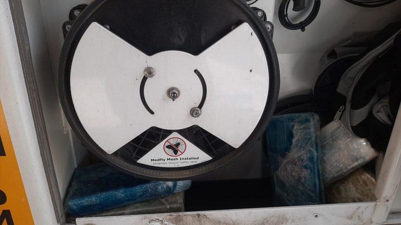 Droga foi encontrada dentro do motor de refrigeração de um contêiner – Foto: Divulgação/ND