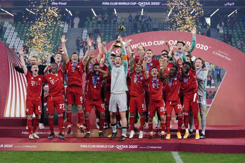 Elenco do Bayern de Munique comemora título do Mundial de Clubes