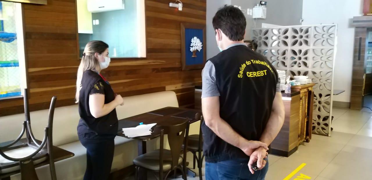 Equipes de Vigilância Sanitária e do Centro de Referência em Saúde do Trabalhador realizaram ação nesta manhã de terça-feira (23) - Prefeitura de Chapecó/Divulgação/ND