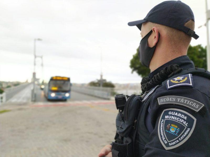 Guarda Municipal realiza fiscalização da capacidade máxima dos ônibus