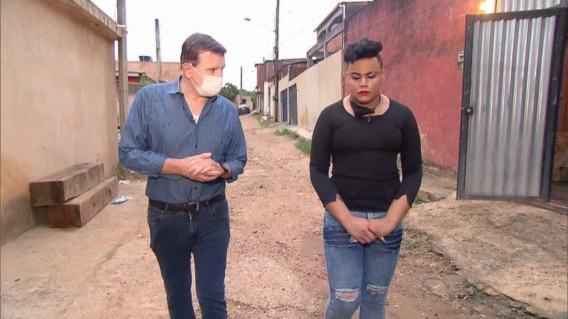 Roberto Cabrini em entrevista com MC Maylon, que acusa integrante do Molejo de estupro – Foto: Reprodução/RecordTV/ND