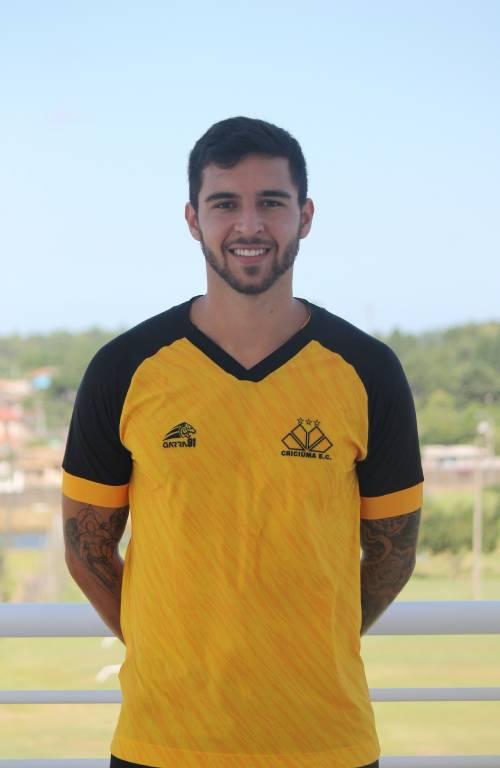 Lateral-direito Léo é apresentado como reforço do Criciúma - Divulgação/Criciúma/ND