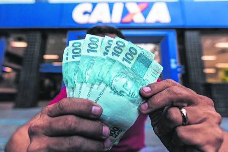 O governo estuda retornar com o auxílio emergencial em forma dequatro parcelas de R$ 250. – Foto: Divulgacão/Paulo Alceu/ND