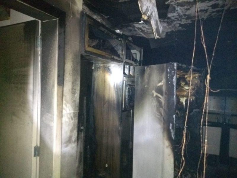 Prédio em Itapema precisou ser evacuado após incêndio em apartamento – Foto: CBMSC/Divulgação/ND