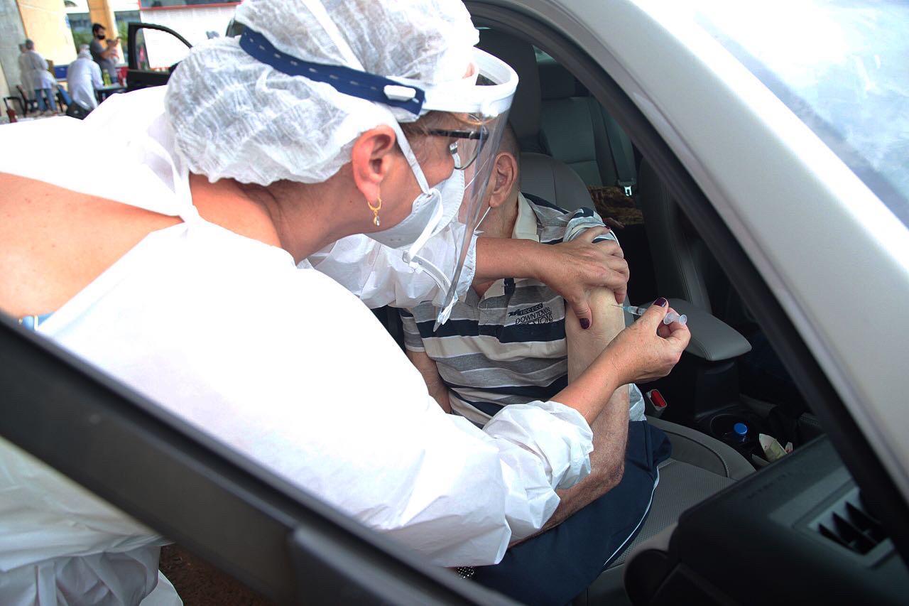 Vacinação de idosos acima de 90 anos iniciou nesta terça-feira em Chapecó. - Leandro Schmidt/Prefeitura de Chapecó/ND