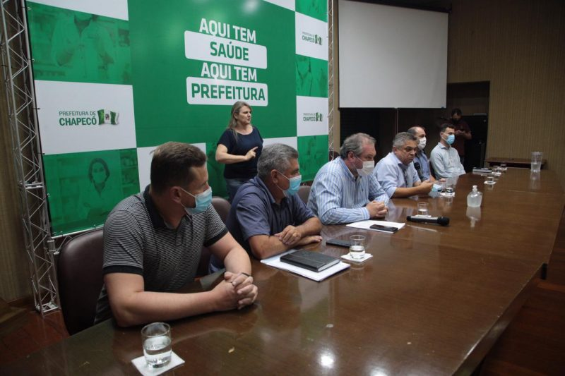 As novas medidas foram anunciadas em live nesta quinta-feira (4). – Foto: Leandro Schmidt/Prefeitura de Chapecó/ND