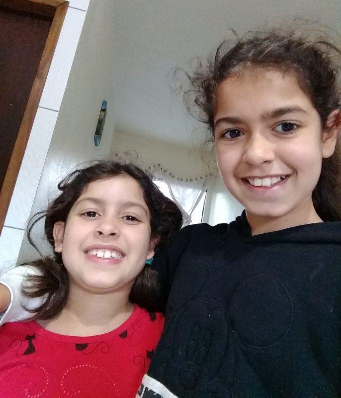 Ana Gabriela da Silva Sobral, de 8 anos, e Ana Beatriz da Silva Sobral, de 10 anos, morreram em um acidente na BR-470 – Foto: Reprodução/Redes Sociais