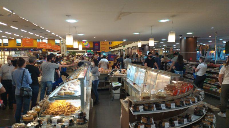 Pessoas se aglomeraram no supermercado – Foto: Reprodução/ND