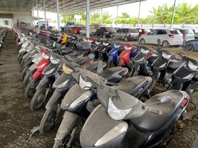 São oferecidos ao público 1.201 automóveis e motocicletas, entre eles 388 veículos conservados – Foto: Detran/Divulgação