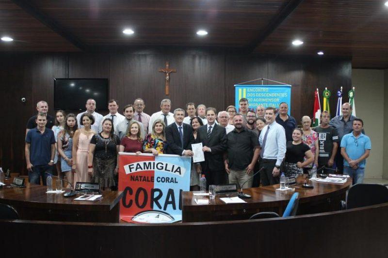 A aprovação da homenagem mereceu solenidade na Câmara de Vereadores de Nova Veneza – Foto: Câmara Municipal de Vereadores de Nova Veneza