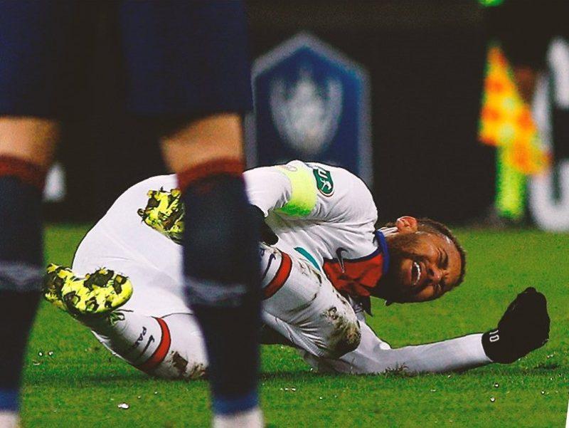 Neymar mais uma vez está fora da PSG. Contusão repercute nas redes sociais. – Foto: Fox Sports/Rede Social/reprodução