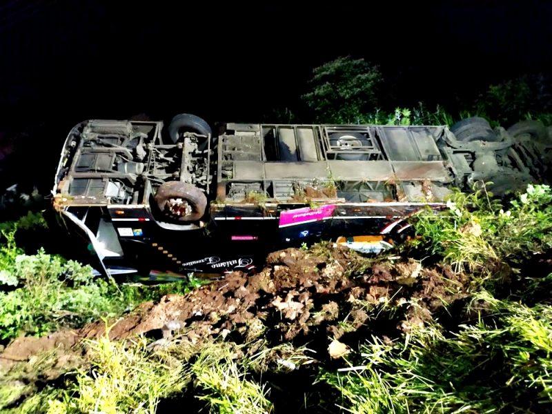 Acidente aconteceu na madrugada deste sábado – Foto: Corpo de Bombeiros/ND