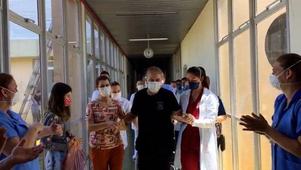 Paciente recebe alta após seis meses internado