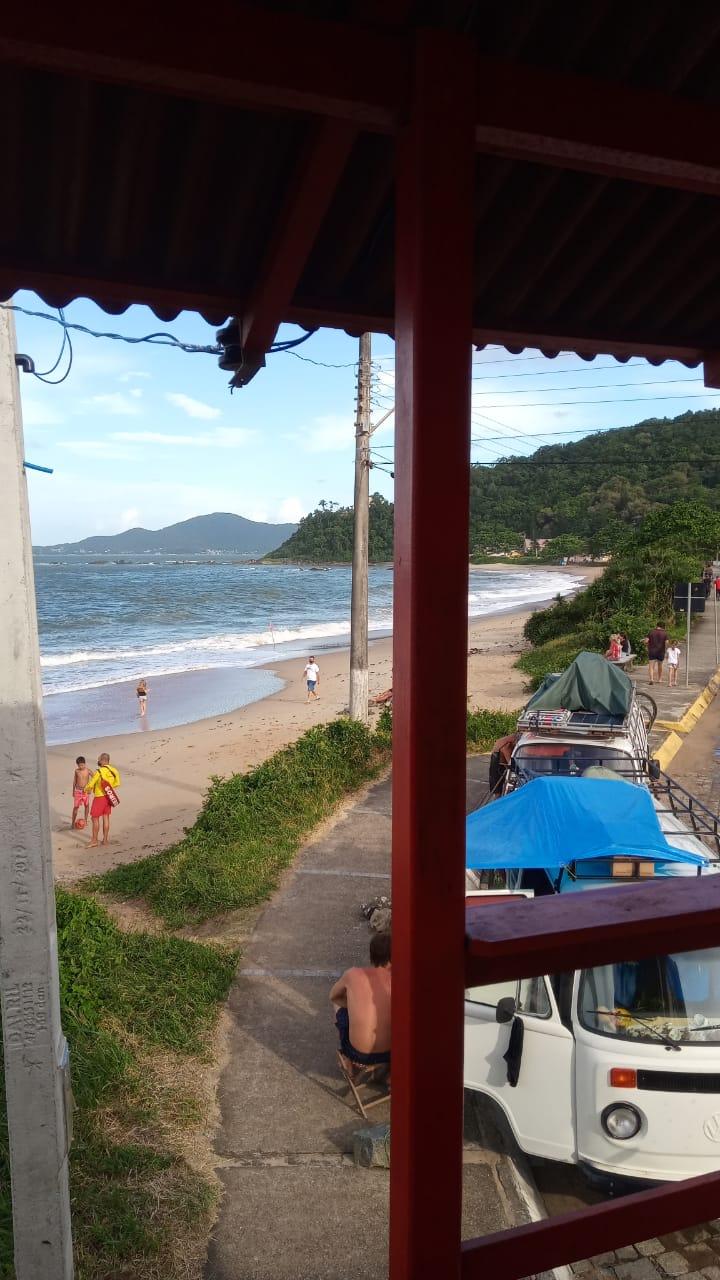 Penha teve certa movimentação de pessoas na faixa de areia neste sábado (27) - Corpo de Bombeiros/Divulgação