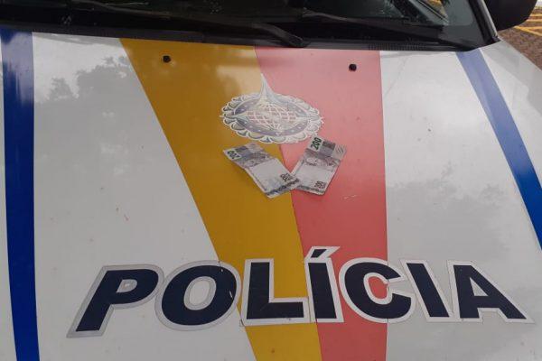 Polícia pendeu um homem suspeito de circular nota falsa de R$ 200, em Gama neste domingo (14) – Foto: PMDF/ Divulgação/ND